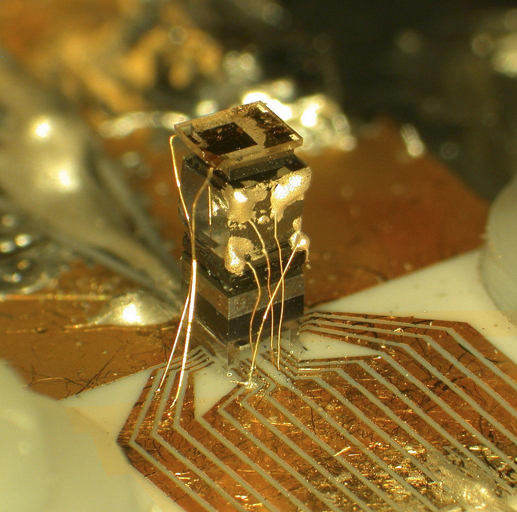 Tragbare Atomuhr Chip Scale Atomic Clock (CSAC) vom NIST