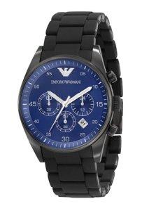 Sportlicher und moderner Herren-Chronograph mit nachtblauem Zifferblatt und schwarzem Gehäuse und Silikon-Armband