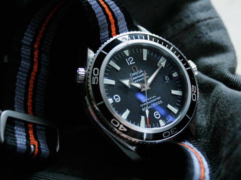 Omega Speedmaster Chronometer mit Textilband
