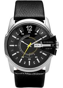 Elegante Herren-Armbanduhr Diesel Master Chief DZ1295 mit poliertem Edelstahlgehäuse und schönem Lederband