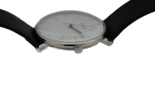 10 mm Höhe und gewölbtes Plexi-Hartglas bei der max bill Uhr 027/3501 Automatic