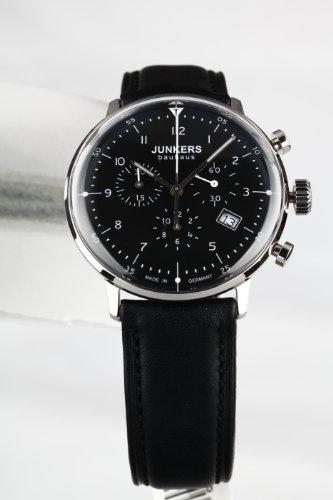 Junkers Bauhaus-Chronograph 6086-2 mit schwarzem Zifferblatt und Lederarmband