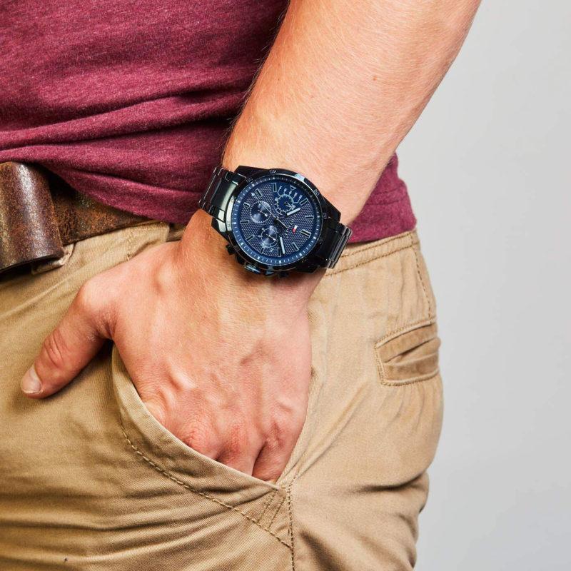 Tommy Hilfiger Uhr 1791560 am Handgelenk